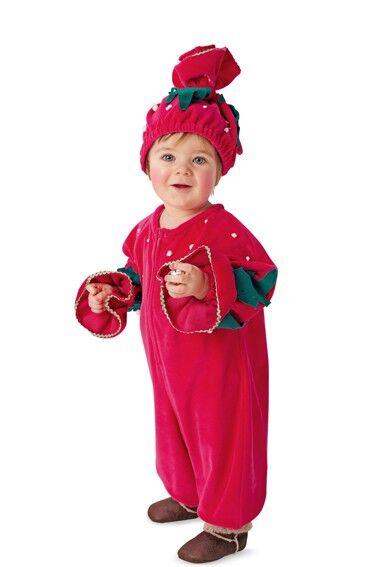 Kleinkind im Erdbeerenkostüm aus Burda Schnittmuster
